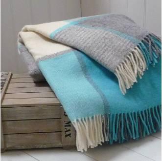 wool-throws-blue-beige