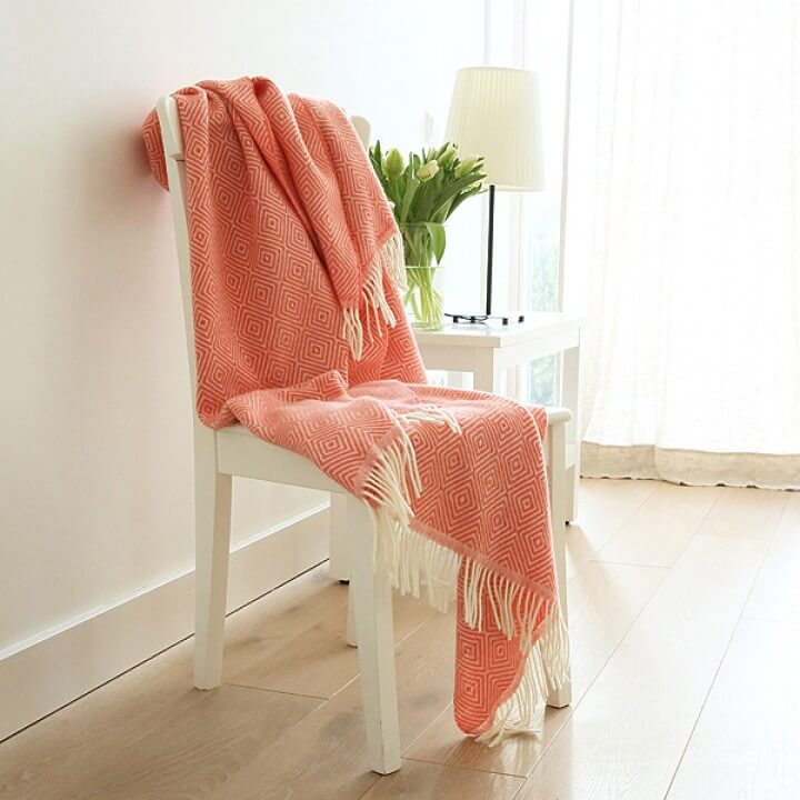 Coral-Merino-Wool-Throw-Rhomb